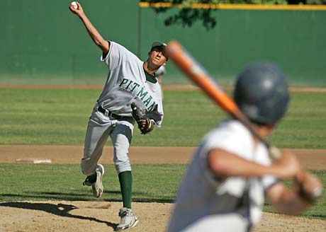 49ers QB Colin Kaepernick pitching in high school. (Photo via Max Preps)